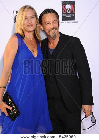 LOS ANGELES - SEP 07:  Tommy Flanagan & Dina Livingston arrives to