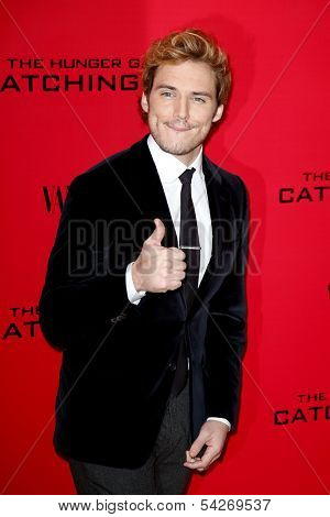 NEW YORK - NOV 20: Sam Claflin attends the 'Hunger Games: Catching Fire' premiere at AMC Lincoln Square Theater on November 20, 2013 in New York City.