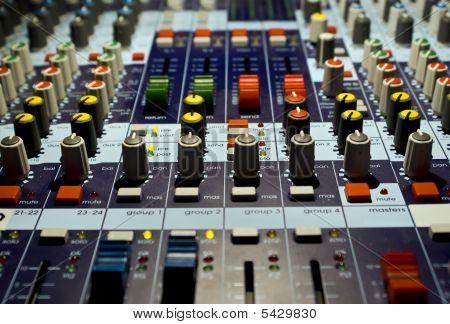 Mezclador de sonido productor
