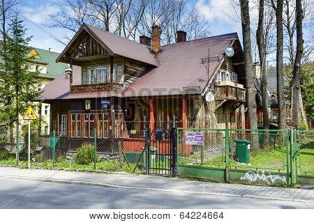 Wooden Dwelling House Mimoza In Zakopane