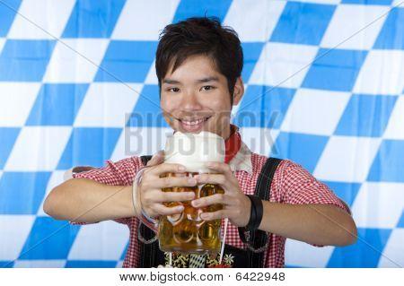 Sonriendo Asia Holding Oktoberfest cerveza Stein (masa)