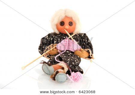 Abuela de tejer