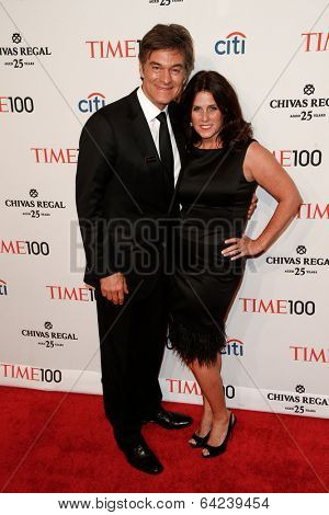 NEW YORK-APR 29: Dr. Mehmet Oz (L) and wife Lisa Oz attend the Time 100 Gala for the Most Influential People at Frederick P. Rose Hall at Lincoln Center on April 29, 2014 in New York City.