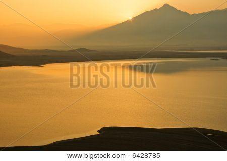 Nascer do sol no Lago Isabela