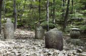 foto of seoraksan  - Urns in the Seoraksan National Park South Korea - JPG