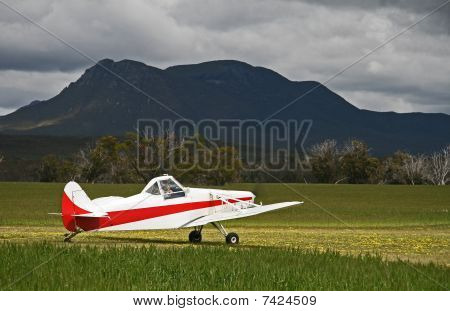 Agricultural aircraft being used a Glider Tug
