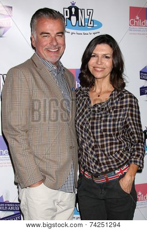 LOS ANGELES - OCT 19:  Ian Buchanan, Finola Hughes at the First Annual Stars Strike Out Child Abuse event to benefit Childhelp at Pinz Bowling Center on October 19, 2014 in Studio City, CA