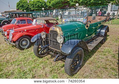 Old Italian Car Fiat 501 (1924)