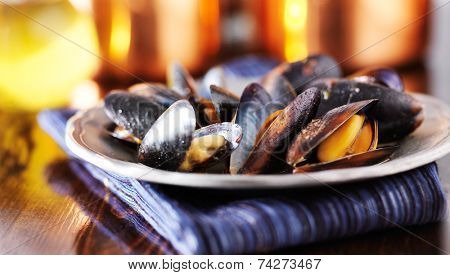 mussels in white wine garlic sauce panorama