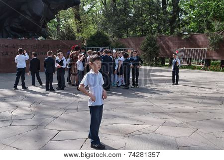 Group Of Schoolchildren In Park Of 28-panfilov's Guardsmen. Almaty