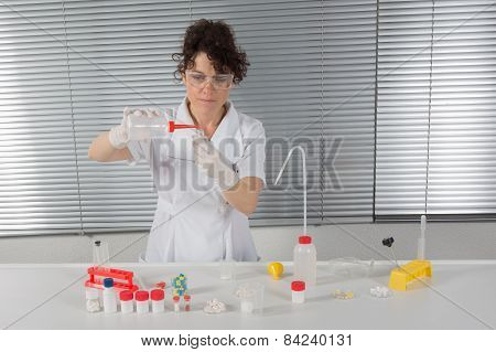 Laboratory assistant