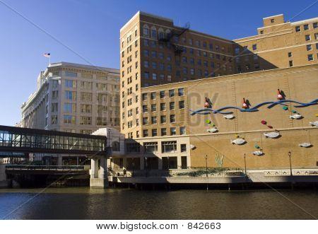Milwaukee Riverfront passarela