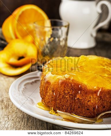Orange Upside Down Cake with Sweet Syrup