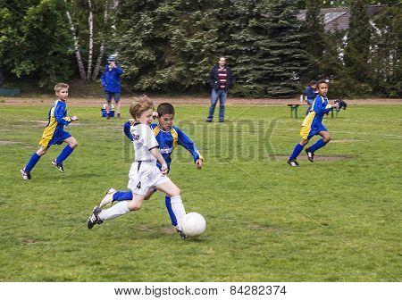 Teens Play Football In E-class League, Niederjosbach - Bsc Schwalbach