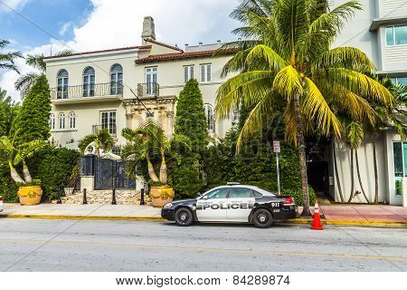 The Versace Mansion At Ocean Drive