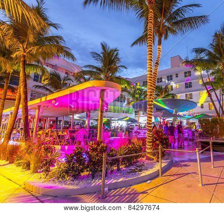 People Enjoy Nightlife At Ocean Drive In The Clevelander Bar