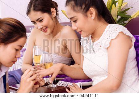 Asian Girls In Beauty Salon