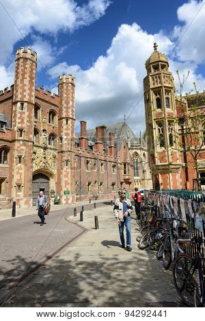 CAMBRIDGE, ENGLAND - MAY 13: View of Pedestrians or Students Walking Along St Johns Street Looking Toward Main Gate of St Johns College, University of Cambridge, England on May 13, 2015