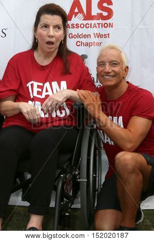 LOS ANGELES - OCT 16:  Nanci Ryder, Jay Schwartz at the ALS Association Golden West Chapter Los Angeles County Walk To Defeat ALS at the Exposition Park on October 16, 2016 in Los Angeles, CA
