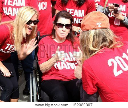 LOS ANGELES - OCT 16:  Reese Witherspoon, Nanci Ryder, Renee Zellweger at the ALS Los Angeles County Walk To Defeat ALS at the Exposition Park on October 16, 2016 in Los Angeles, CA