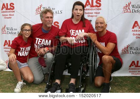 LOS ANGELES - OCT 16:  Ruby Horton, Peter Horton, Nanci Ryder, Jay D. Schwartz at the Los Angeles Walk To Defeat ALS at the Exposition Park on October 16, 2016 in Los Angeles, CA