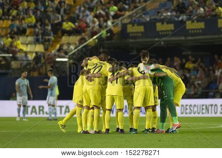 VILLARREAL, SPAIN - OCTOBER 16th: Villerreal Team during La Liga soccer match between Villarreal CF and R.C. Celta de Vigo at El Madrigal Stadium on October 16, 2016 in Villarreal, Spain