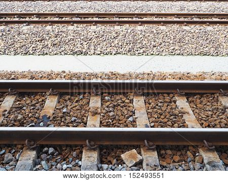 structure of railways track in trains station