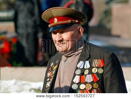 Volgograd Russia - February 2 2008: World War II veteran on Victory Day in the battle of Stalingrad on the Ploshhad' Pavshih Borcov (the Square of the Fallen Fighters) in Volgograd