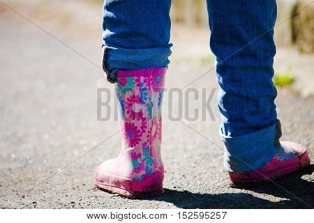 rubber boots for rainy the weather youth and women's fashion.