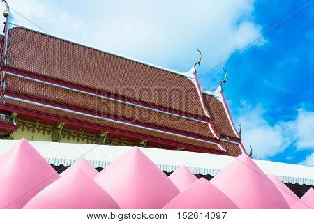 Wat Muang in the background sky, Ang Thong, Thailand (in Thailand and the kind of art decorated in Buddhist church, temple temple.)