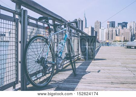 bicycle enthusiast view of the new york skyline