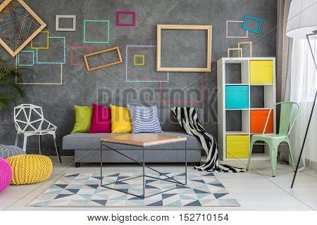 Spacious Apartment In Grey