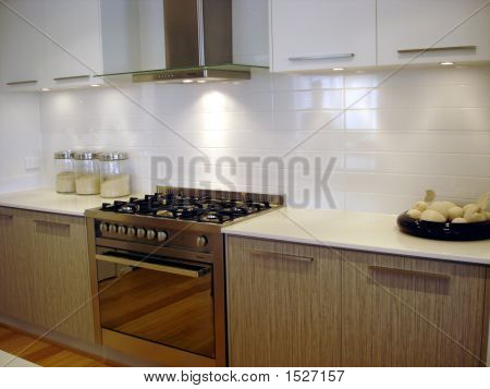 White Kitchen Stovetop