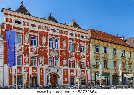 The most significant baroque facade of the Leoben city represents the Hackl-house located at the main square and named after its owner in the 18th century Austria