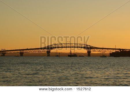 Puente del puerto de Auckland