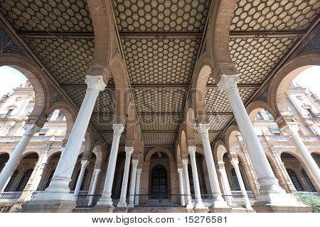Colunas e arcadas