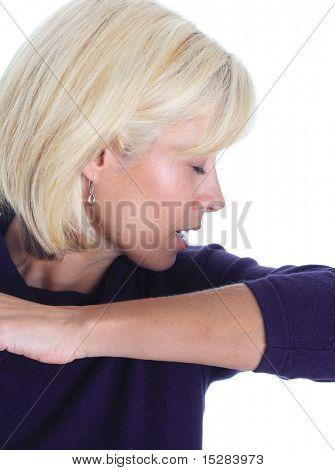 Espirro em sua manga e parar a propagação de germes.
