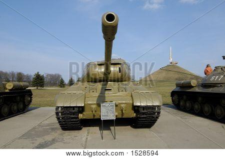 Tank Is-2