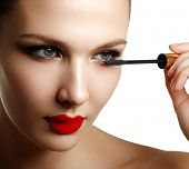 Постер, плакат: Mascara Applying Closeup Long Lashes Mascara Brush Eyelashes