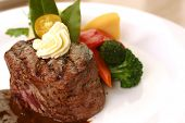 image of oz  - 8 oz tenderloin steak dinner with an accompaniment of mashed potatoes - JPG