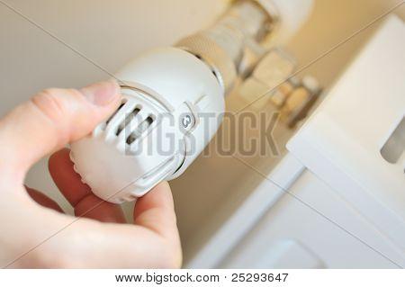 hand adjust thermostat valve