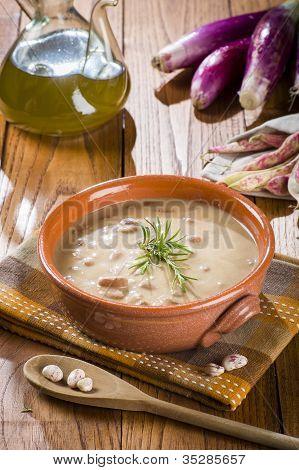 Pinto beans soup