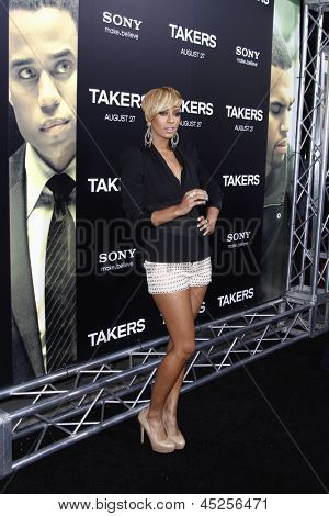 LOS ANGELES - AUG 4: Keri Hilson at the World Premiere of Takers, held at the Arclight Cinerama Dome in Los Angeles, California on 4 August 2010