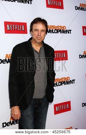 """LOS ANGELES - 29 de abril: Kevin Nealon chega a Los Angeles de """"Arrested Development"""" estréia no th"""