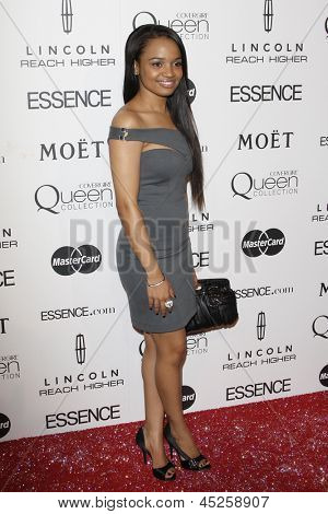 LOS ANGELES - MAR 4: Kyla Pratt at the 3rd annual Essence Black Women in Hollywood Luncheon at the Beverly Hills Hotel in Beverly Hills, California on March 4, 2010