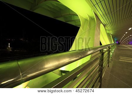 Green Night Of The Bridge
