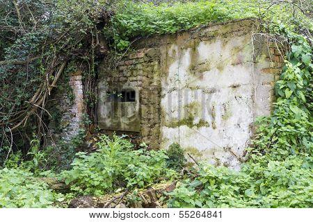WWII Loophole (once Inside A Pub)