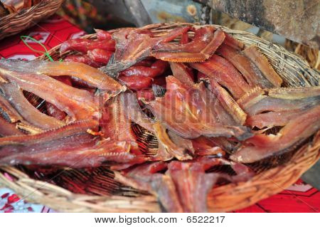 smoked cook snake head fish in the plate