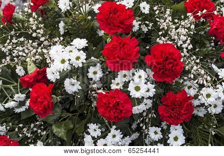 Bouquet in red and white