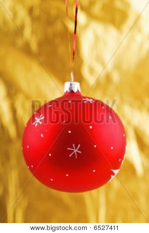 Close-up Photo Of Red  Christmas Bal